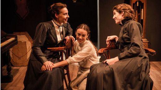 'Las tres hermanas. Deconstructing Chèjov': destino, melancolía