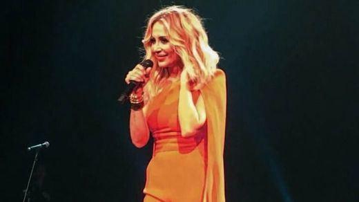 Marta Sánchez desliga su letra del himno nacional de cualquier 'connotación política'