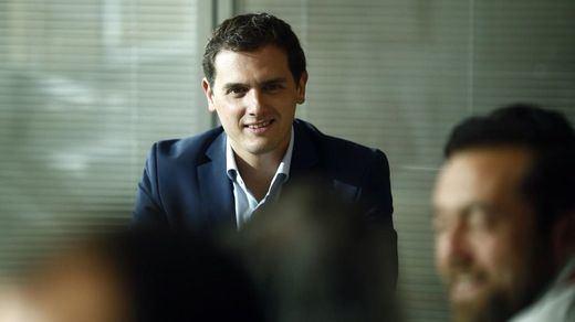 El 'sorpasso' es de Ciudadanos: lo negativa que es para el PSOE la última encuesta electoral