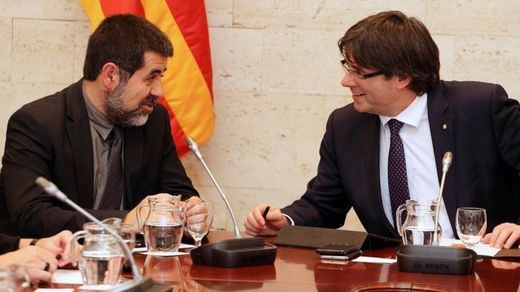 JxCat y ERC cerrarán un acuerdo esta semana para reconocer simbólicamente a Puigdemont e investir a Jordi Sànchez