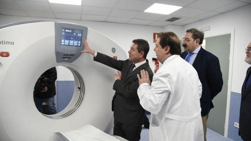 Pege visita el nuevo TAC del Hospital Universitario 'Nuestra Señora del Perpetuo Socorro'