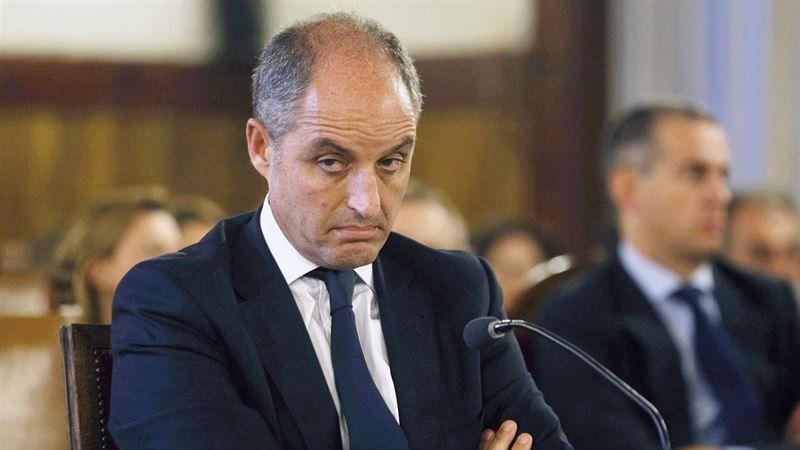 Camps responsabiliza a Costa de las 'cuestiones económicas' del PP valenciano