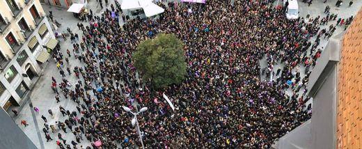 Un 8-M histórico: éxito de la huelga feminista, los paros laborales y las protestas