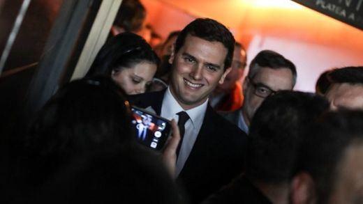 Ciudadanos se consolida como el partido del futuro Gobierno de los españoles: así gobernaría Albert Rivera