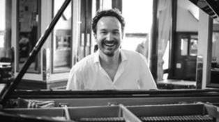 El polifacético e internacional Juan Antonio Simarro nos trae su 'música positiva'