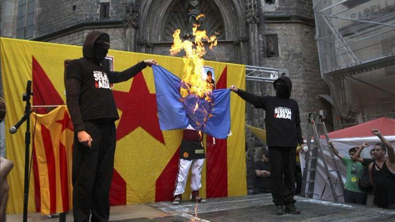 El Tribunal Europeo de Derechos Humanos permite quemar fotos del Rey para defender la 'libertad de expresión'