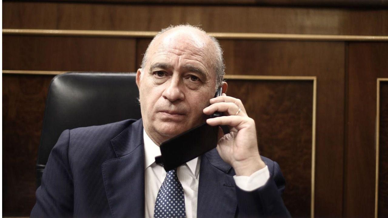 Los mossos d 39 esquadra espiaron al ex ministro del interior for Ex ministro del interior