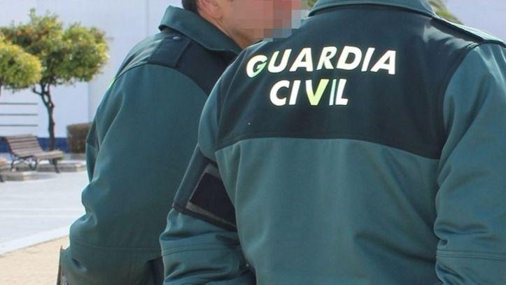 La Guardia Civil detiene a un alto cargo de la Generalitat por el 1-O y pone en el punto de mira a Òmnium Cultural