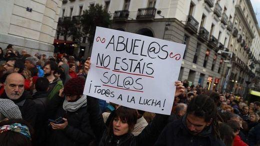 Multitudinarias manifestaciones de pensionistas en todo el país pese a la lluvia y la nieve