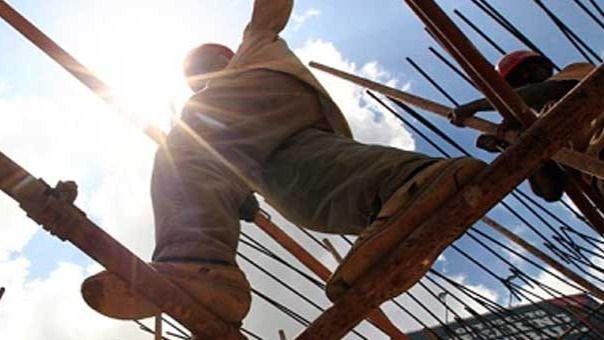 Trabajador en una obra de construcción