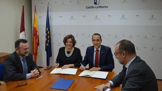 El Gobierno de Castilla-La Mancha y Globalcaja firman un convenio de colaboración para el desarrollo del Financia Adelante