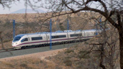 Ciudadanos lamenta que Adif se niegue a habilitar un aparcamiento gratuito junto a la estación del AVE de Cuenca