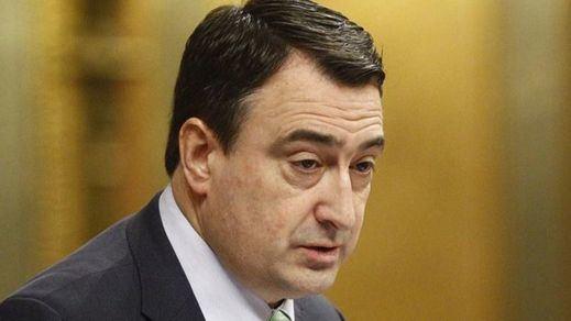 Más palos en las ruedas para que el PNV no apoye los Presupuestos: la subida salarial de los funcionarios vascos