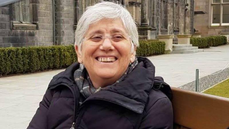 Clara Ponsatí queda en libertad, pero sin pasaporte, tras entregarse en Escocia