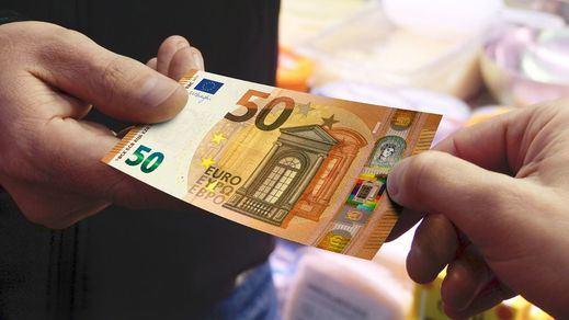 La deuda pública baja pero sigue por encima de la estimación que el Gobierno dio a Bruselas