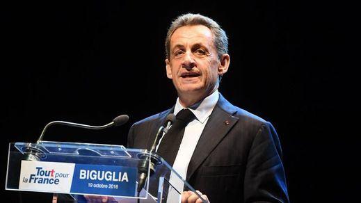 Se complica la situación para Sarkozy: también será juzgado por intentar corromper a un juez