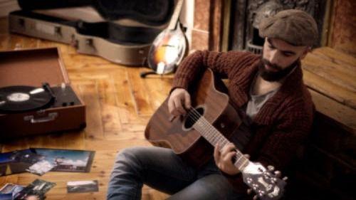 El polifacético Dani Molino se hace más guitarrero y eléctrico en 'El mundo en que estoy'