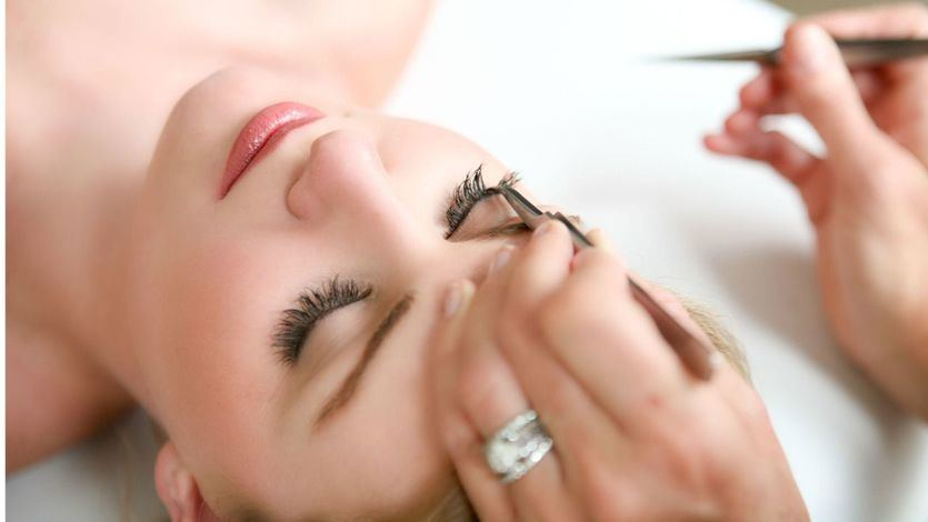 Consejos para tratar la alopecia en cejas y pestañas