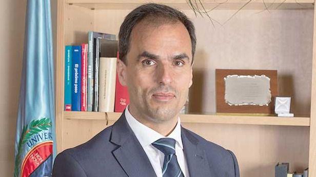 El rector de la URJC, Javier Ramos, pidió un acta en 3 horas para salvar a Cifuentes