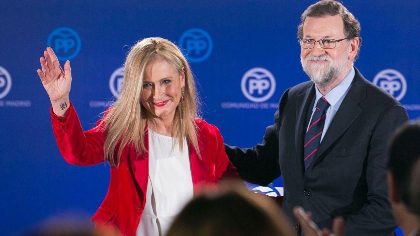 Rajoy apoya a Cifuentes pese a los nuevos datos sobre el máster: fechas que no cuadran y confesiones docentes