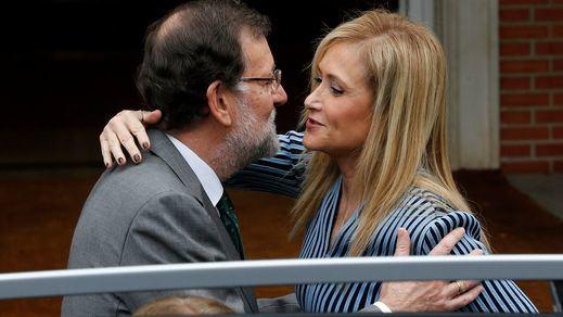 Rajoy se debate entre forzar la dimisión de Cifuentes o dejar que caiga en la moción de censura si se resiste