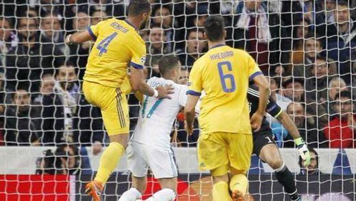 ¿Fue penalti a Lucas Vázquez en el Real Madrid-Juventus?: lo que opinan los expertos y vídeos desde todos los ángulos
