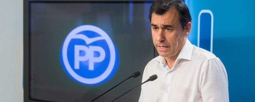 El PP deja caer a Cristina Cifuentes: 'Nadie está por encima del partido'