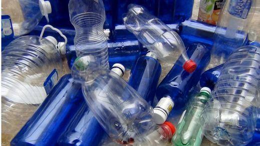 Diseñan, por accidente, una enzima que se come el plástico