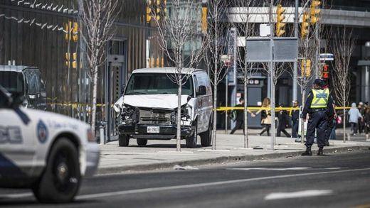 Al menos 10 muertos en un atropello múltiple con una furgoneta en Toronto
