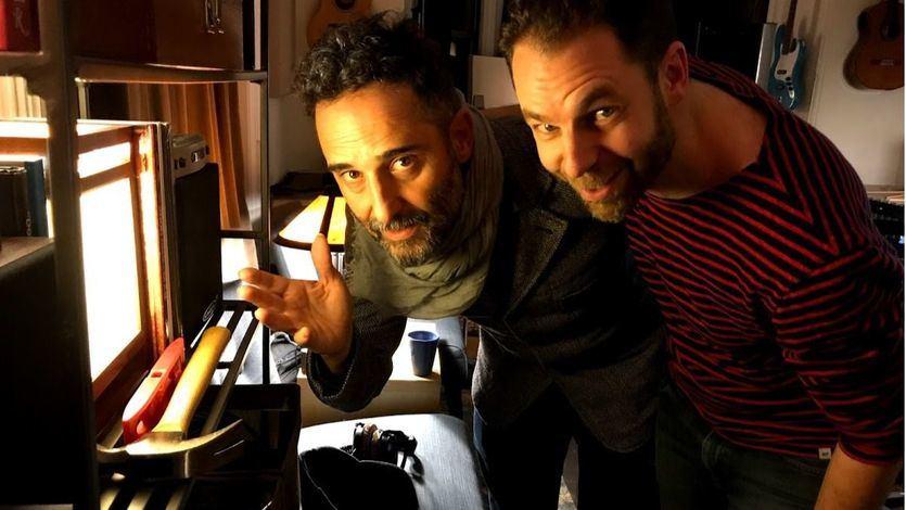 Leo Sidran, a la derecha, junto a Jorge Drexler