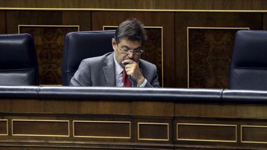 Jueces y fiscales se unen para pedir en bloque la dimisión del 'reprobado' Catalá