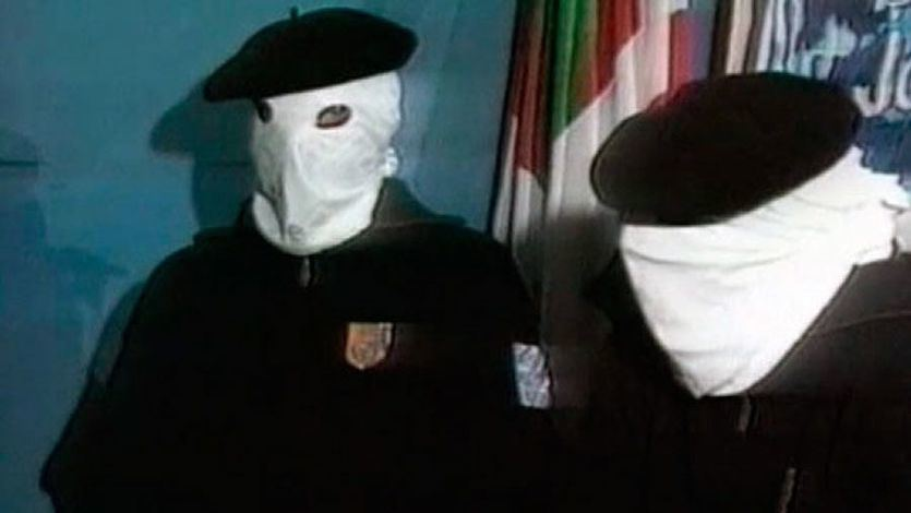 Las víctimas de ETA y diversos colectivos no dan validez al final sin arrepentimiento de la banda