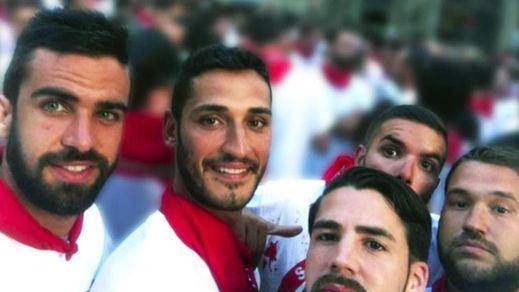 Los deleznables audios de WhatsApp de 'La Manada' antes y después de abusar de la joven en San Fermín