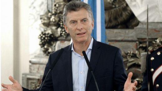 Argentina pide ayuda al FMI ante el hundimiento de su moneda