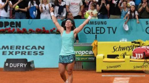 Muguruza y Suárez remontan y siguen vivas en el Open de Madrid
