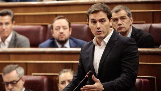 Rivera amenaza con retirar el apoyo a Rajoy si no impide el voto de los independentistas huidos