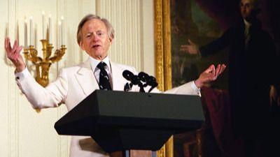 Muere el 'padre del nuevo periodismo', Tom Wolfe