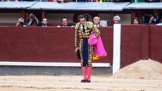 Padilla, que se despedía de Madrid, fue obligado a saludar al concluir el paseíllo