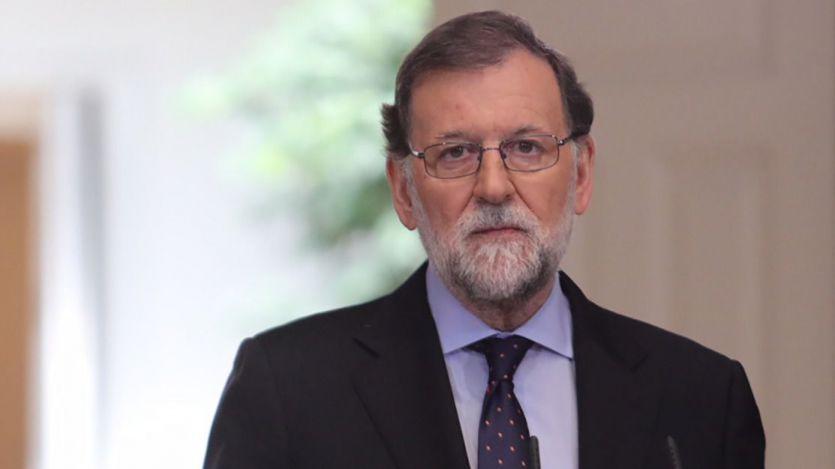 El presidente del Gobierno, Mariano Rajoy, durante su comparecencia en La Moncloa donde ha realizado una declaración institucional con motivo del anuncio de ETA de su desaparición.