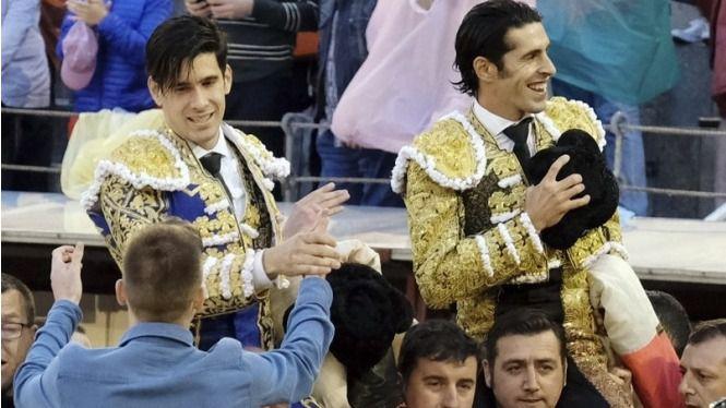 Löpez Simón y Alejandro Talavante salen a hombros de Las Ventas