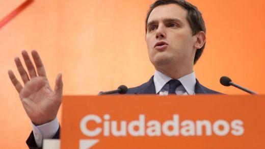 Rivera, dispuesto a salvar a Rajoy a cambio de adelantar las elecciones