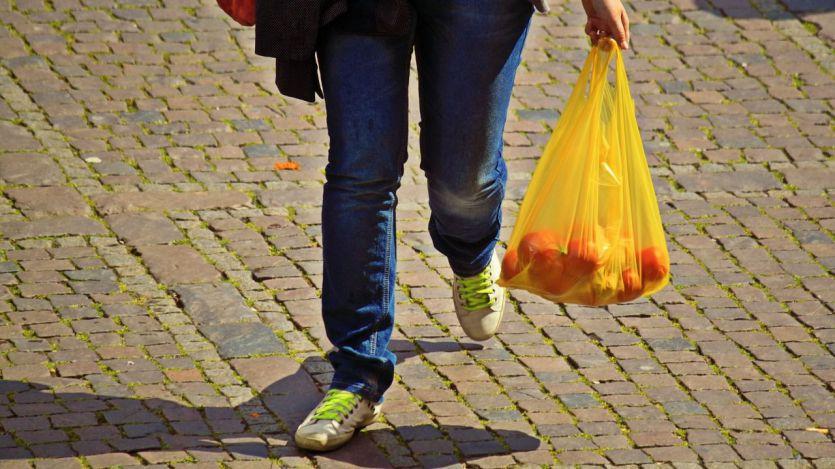 Lidl también elimina las bolsas de plástico de sus supermercados y se pasa al papel