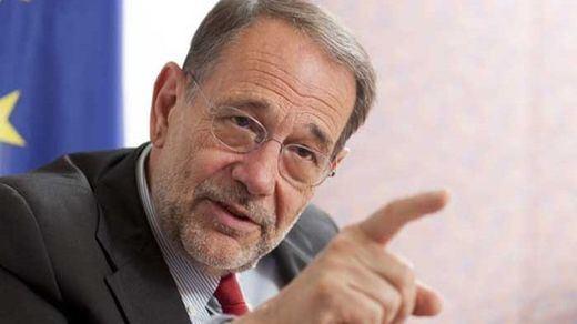Rivera propone al PSOE alternativas a Sánchez: Solana, Jáuregui y Redondo
