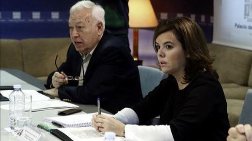 Rajada de Margallo contra Sáenz de Santamaría, a la que declara la 'guerra'
