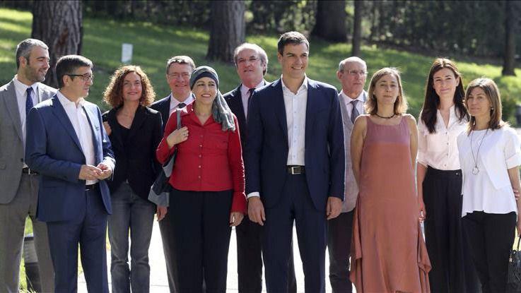 Sánchez solo 'rescata' para su Gobierno a 2 de los 12 miembros del 'consejo de sabios'