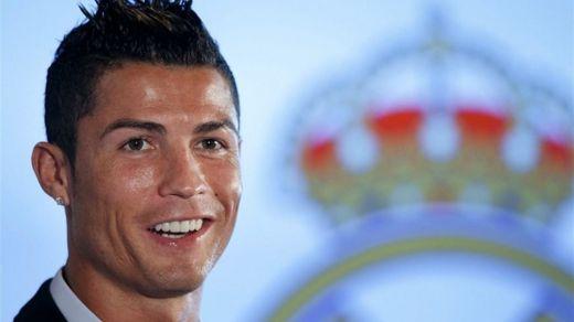 Cristiano Ronaldo, con pie y medio fuera del Madrid