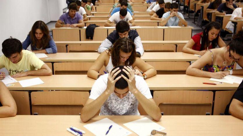 Más de 4.000 alumnos de Extremadura tendrán que repetir la prueba de acceso a la universidad por una 'filtración'