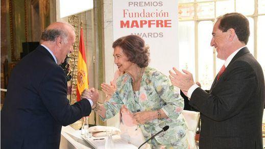Fundación MAPFRE premia el compromiso solidario de Vicente del Bosque