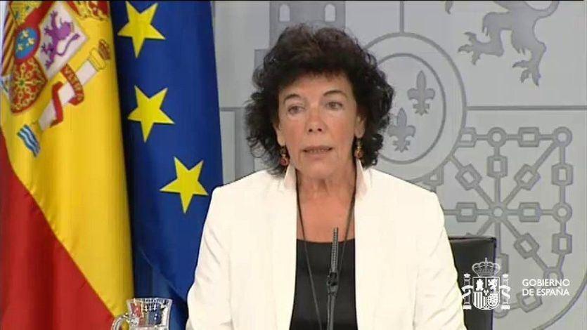 Isabel Celaá tras el Consejo de Ministros