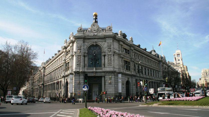 El Banco de España mantiene la previsión de crecimiento con Sánchez, pero alerta de nuevos riesgos
